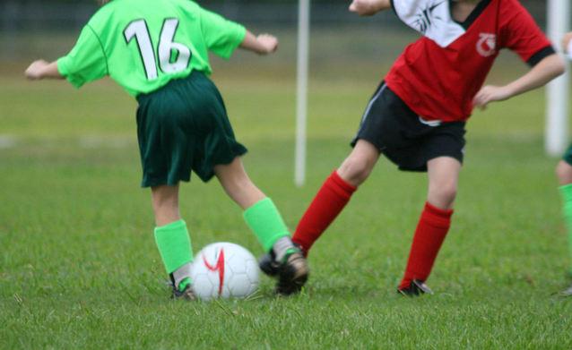 soccer-game-goal-kick-1435499-638x390