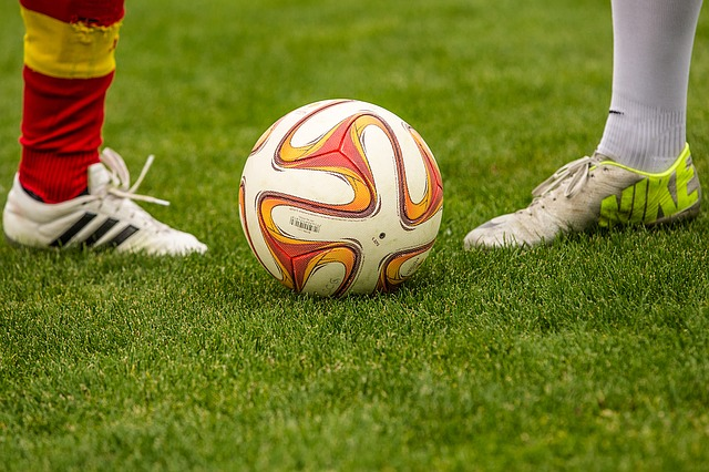 football-1350720_640